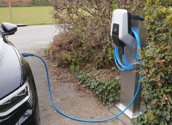 laadpaal elektrische auto audi etron mennekes